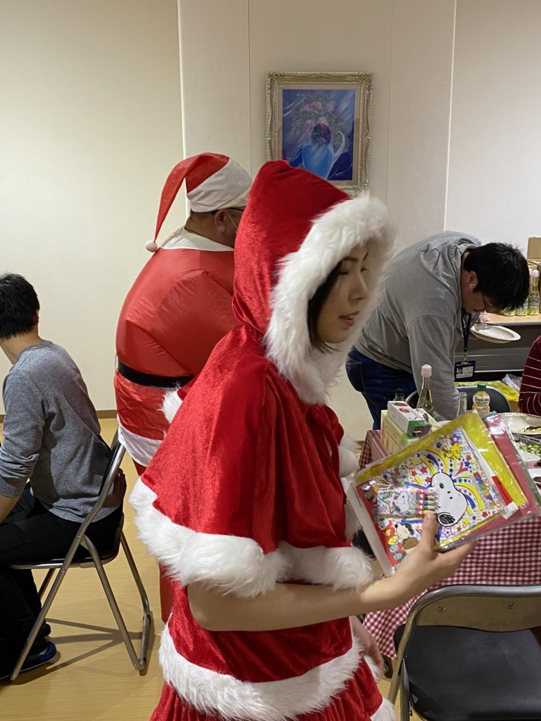 メリークリスマス(^^♪TOMMYサンタも出動!!!G社様 納車(^^)/ エスカレード、ハマー、ハイエース_b0127002_18142627.jpg