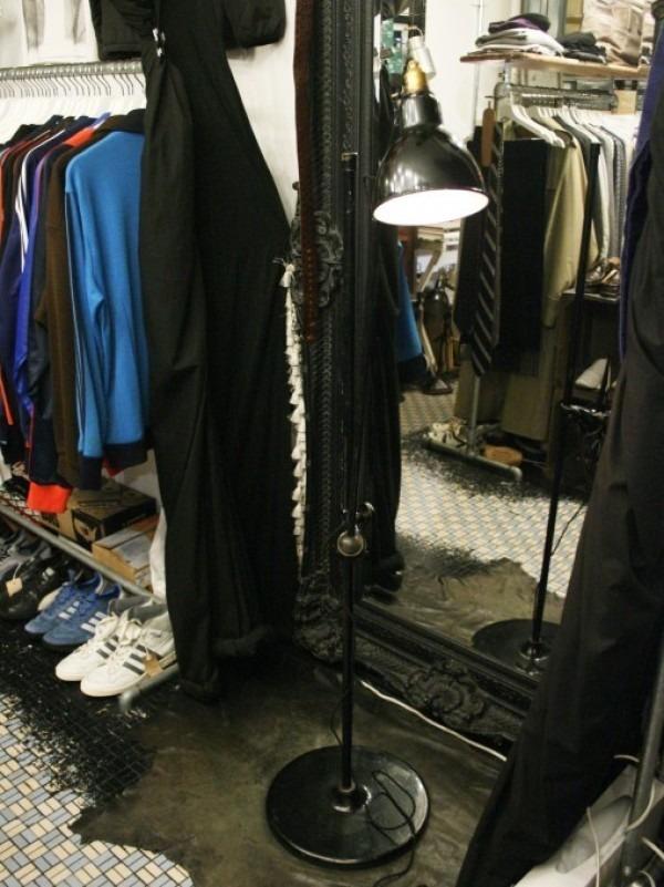 令和最初のヨーロッパ買い付け後記21 ヴァイセンホーフジードルングへ!! 入荷コルビジェも愛したGRASのランプ。超レア物あり。_f0180307_02222541.jpg