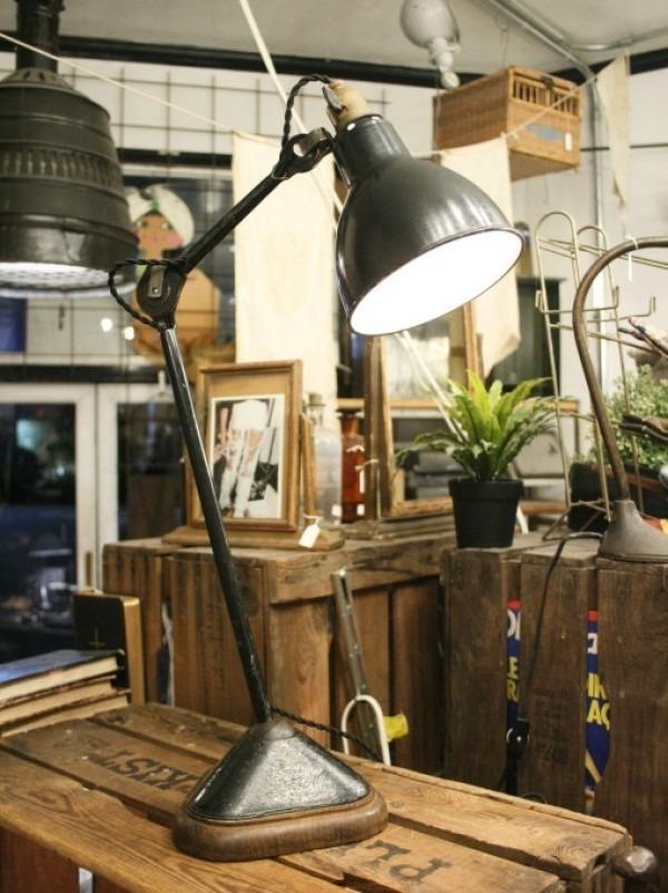 令和最初のヨーロッパ買い付け後記21 ヴァイセンホーフジードルングへ!! 入荷コルビジェも愛したGRASのランプ。超レア物あり。_f0180307_02355531.jpg