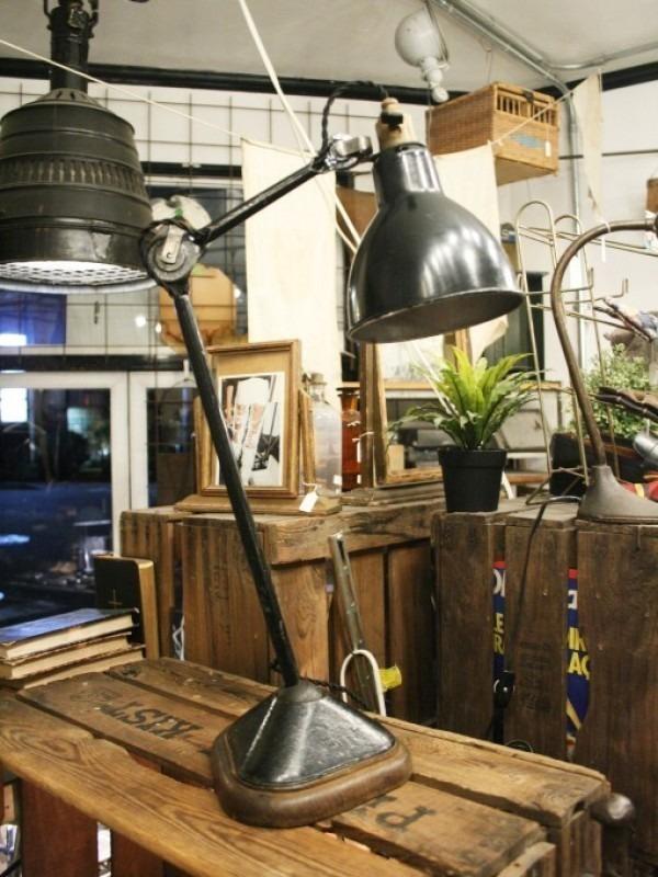 令和最初のヨーロッパ買い付け後記21 ヴァイセンホーフジードルングへ!! 入荷コルビジェも愛したGRASのランプ。超レア物あり。_f0180307_02355654.jpg