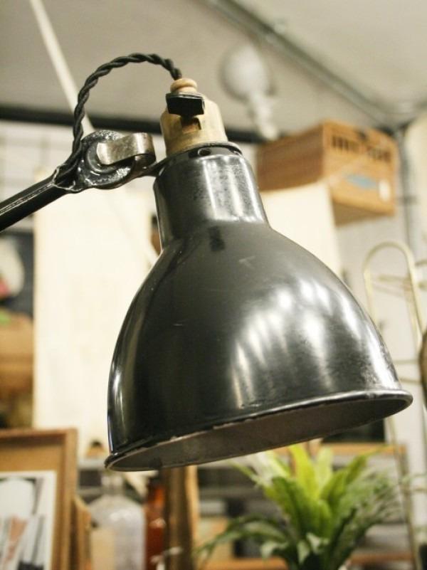 令和最初のヨーロッパ買い付け後記21 ヴァイセンホーフジードルングへ!! 入荷コルビジェも愛したGRASのランプ。超レア物あり。_f0180307_02355727.jpg