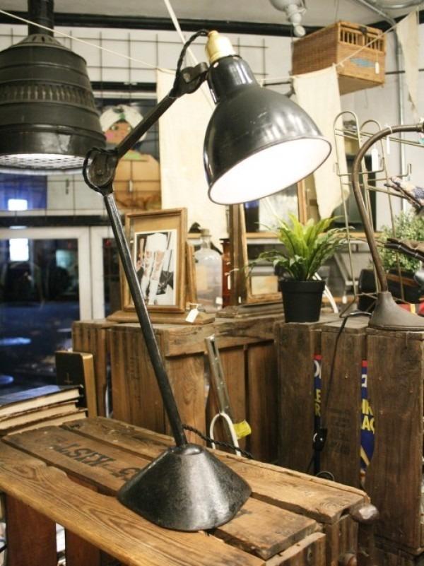 令和最初のヨーロッパ買い付け後記21 ヴァイセンホーフジードルングへ!! 入荷コルビジェも愛したGRASのランプ。超レア物あり。_f0180307_02431983.jpg