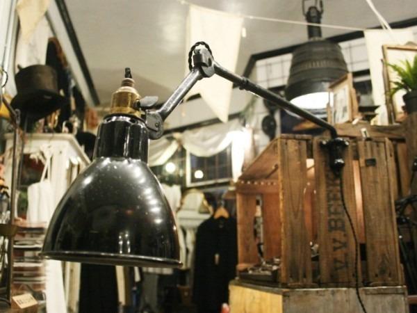 令和最初のヨーロッパ買い付け後記21 ヴァイセンホーフジードルングへ!! 入荷コルビジェも愛したGRASのランプ。超レア物あり。_f0180307_02510482.jpg