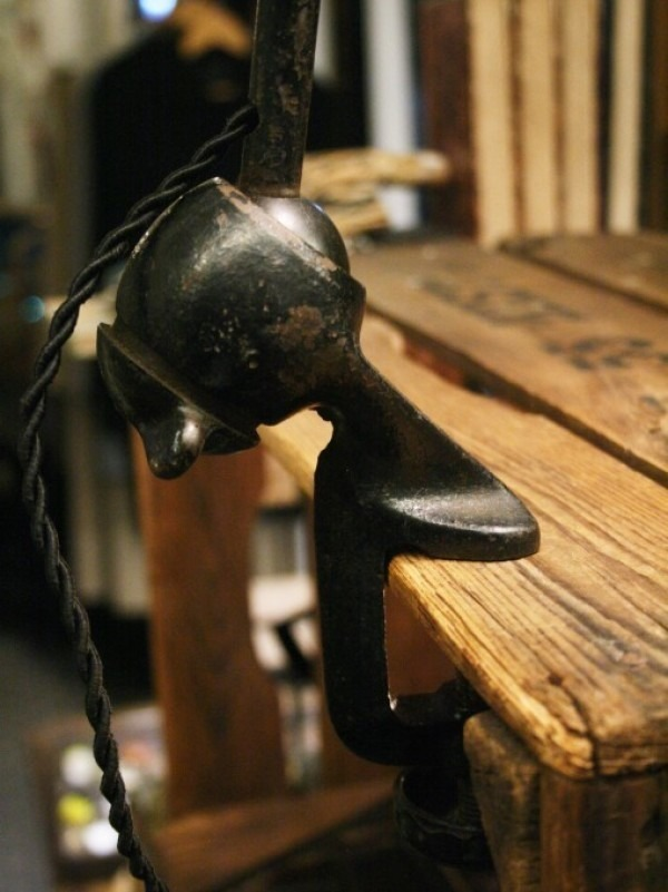 令和最初のヨーロッパ買い付け後記21 ヴァイセンホーフジードルングへ!! 入荷コルビジェも愛したGRASのランプ。超レア物あり。_f0180307_02585264.jpg