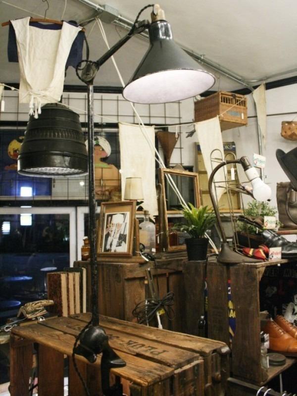 令和最初のヨーロッパ買い付け後記21 ヴァイセンホーフジードルングへ!! 入荷コルビジェも愛したGRASのランプ。超レア物あり。_f0180307_02595534.jpg
