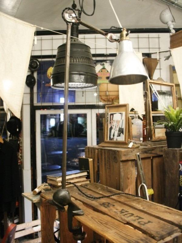 令和最初のヨーロッパ買い付け後記21 ヴァイセンホーフジードルングへ!! 入荷コルビジェも愛したGRASのランプ。超レア物あり。_f0180307_03074728.jpg