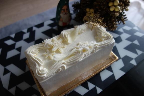 クリスマスケーキはGARDEN HOUSE CRAFTSさんで。_e0230011_17211310.jpg