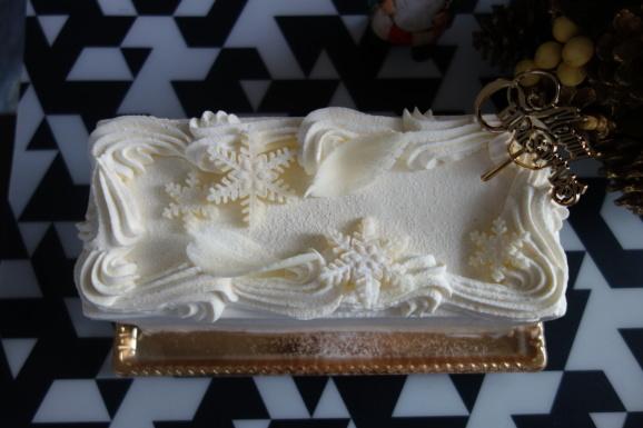 クリスマスケーキはGARDEN HOUSE CRAFTSさんで。_e0230011_17231362.jpg