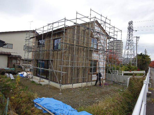 仙北町の家 大工工事が進行中です!_f0105112_03525686.jpg