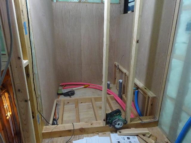 仙北町の家 大工工事が進行中です!_f0105112_04124066.jpg