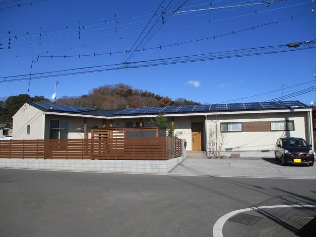 太田市で土間コンクリート洗い出し、物置工事が素敵に完成!_e0361918_12583954.jpg