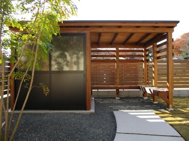 太田市で土間コンクリート洗い出し、物置工事が素敵に完成!_e0361918_12594458.jpg