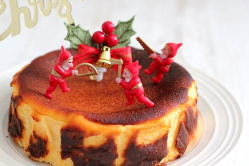 クリスマスケーキは、バスクチーズケーキ_a0165538_09264903.jpg