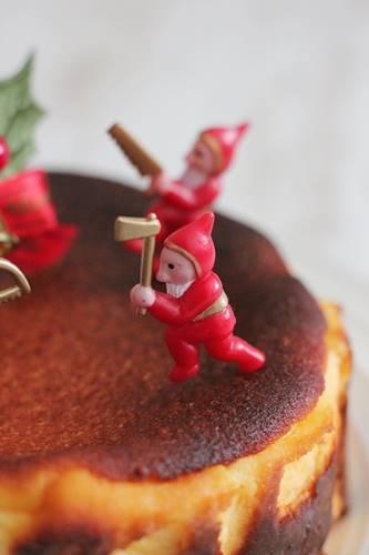 クリスマスケーキは、バスクチーズケーキ_a0165538_09265500.jpg