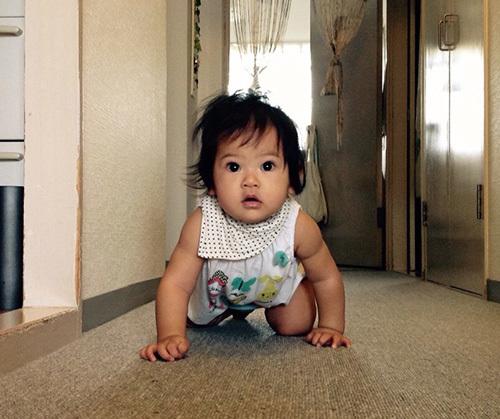 「(赤ちゃんが)ハイハイする。」を英語で何という?_c0157943_14262087.jpg