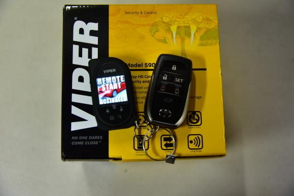 ランクル200にVIPER5906Vとオプション取り付け_c0199344_18382505.jpg