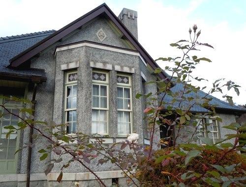 今昔デザインの妙、久しぶりに郷土館へ_b0102572_10322242.jpg