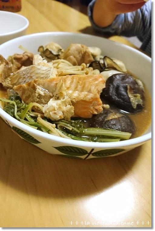 今週の常備菜☆黄色と緑のオンパレード&牡蠣鍋とサンタブーツ_a0348473_04490386.jpg