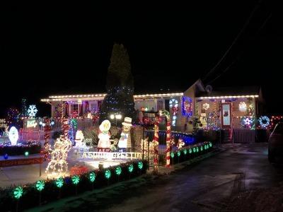 クリスマス・ライト 4_c0353373_05520894.jpg