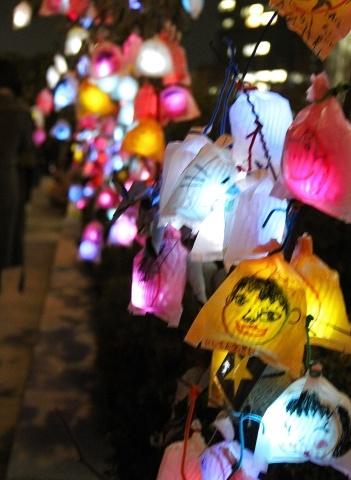 ◆クリスマスはイルミネーション_e0154682_23421279.jpg