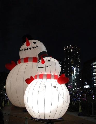 ◆クリスマスはイルミネーション_e0154682_23422088.jpg