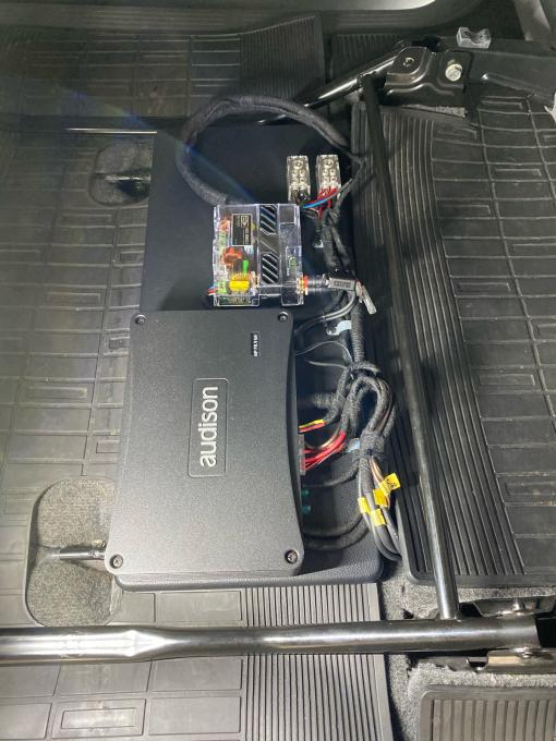 ハイエース200系を良い音製作_c0069588_08595822.jpg