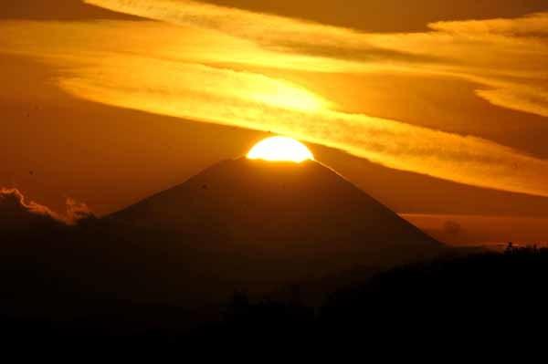 富士山に沈む夕日と美しい雲_f0173596_18151837.jpg