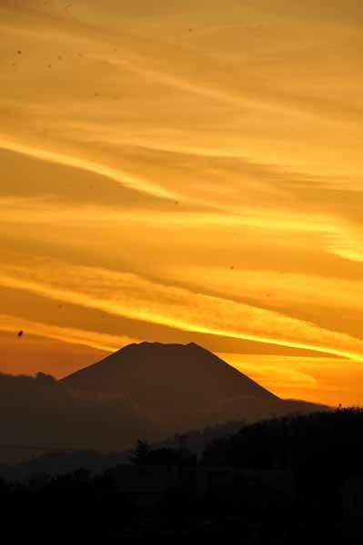 富士山に沈む夕日と美しい雲_f0173596_18155499.jpg
