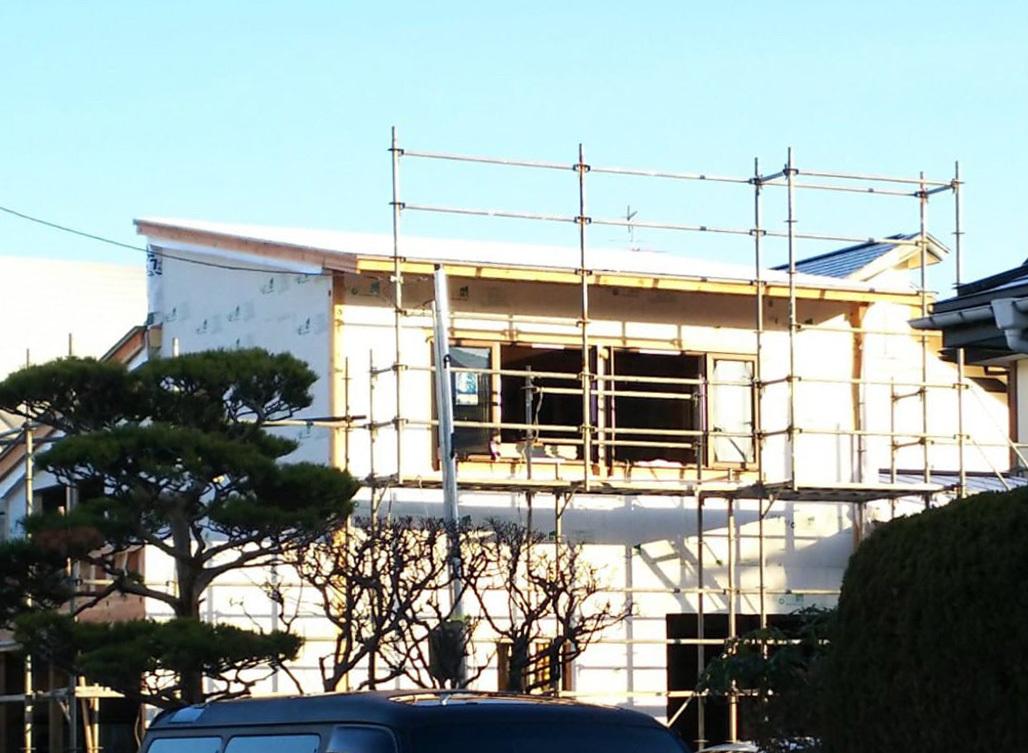 Q1住宅L2秋田02:太陽光発電エコテクノルーフ_e0054299_10200869.jpg