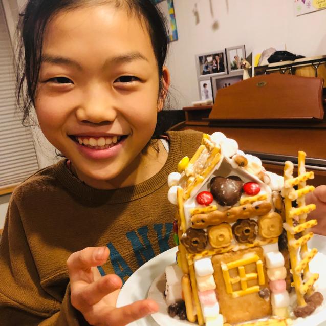お菓子の家_e0061304_15331129.jpg