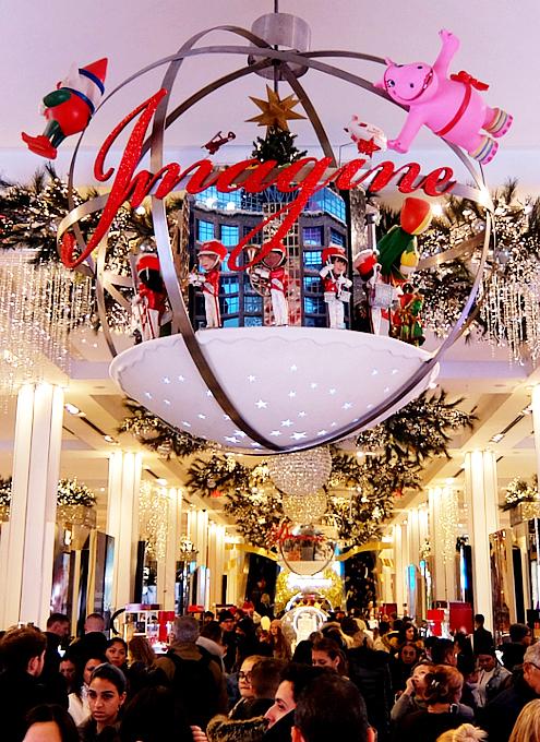 ホリデーシーズン、Macy\'s店内のストーリーは、「Home For Holidays」_b0007805_07415782.jpg