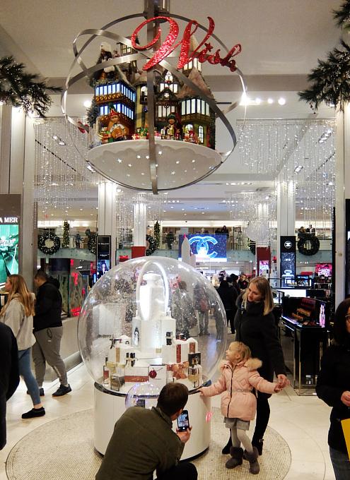 ホリデーシーズン、Macy\'s店内のストーリーは、「Home For Holidays」_b0007805_08053282.jpg
