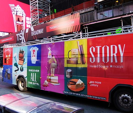 ホリデーシーズン、Macy\'s店内のストーリーは、「Home For Holidays」_b0007805_08115230.jpg