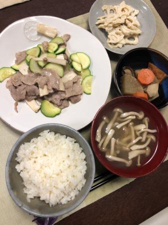 豚肉とズッキーニの炒め物_d0235108_21514518.jpg