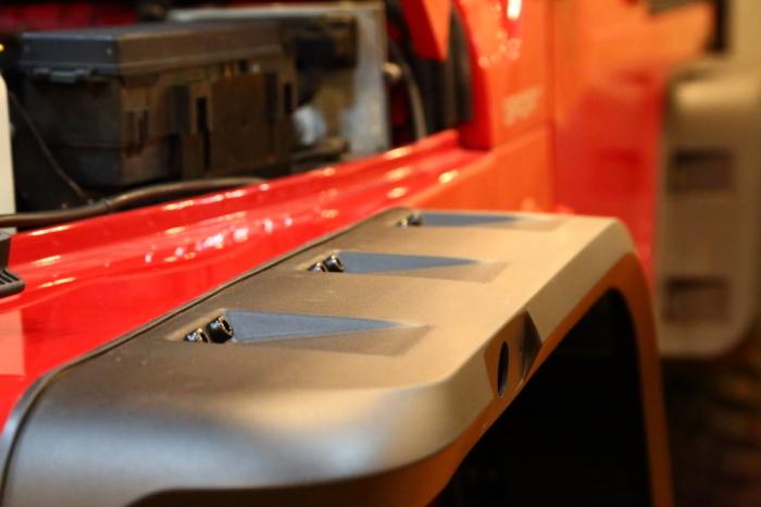 JLUご納車完了 フレームレッドTJカスタム作業開始_f0105425_20462243.jpg