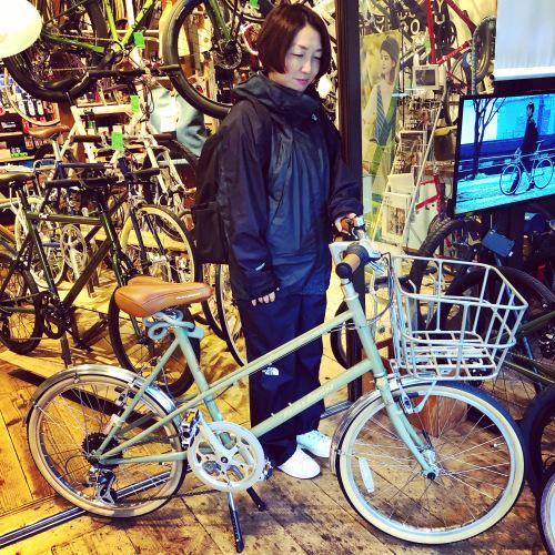 ☆本日のバイシクルガール☆ 自転車女子 自転車ガール ミニベロ クロスバイク ライトウェイ トーキョーバイク シュウイン ラレー ブルーノ おしゃれ自転車 マリン ターン シェファード_b0212032_15150442.jpeg
