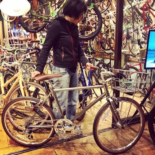☆本日のバイシクルガール☆ 自転車女子 自転車ガール ミニベロ クロスバイク ライトウェイ トーキョーバイク シュウイン ラレー ブルーノ おしゃれ自転車 マリン ターン シェファード_b0212032_15163348.jpeg
