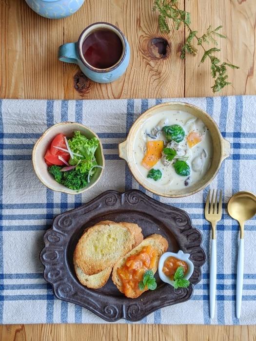 牡蠣スープ朝ごはん_b0277136_08394328.jpeg