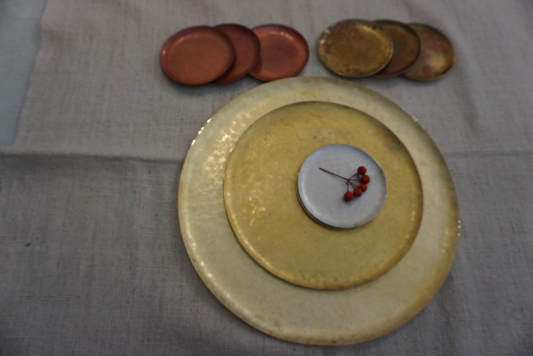 真鍮のお皿 奥澤華_b0132442_16400850.jpg