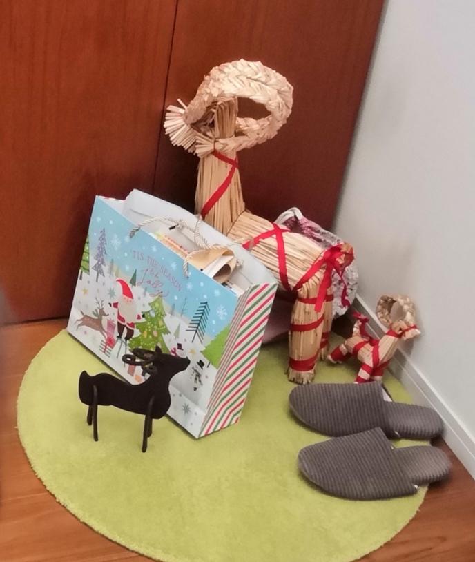 クリスマスの朝の出来事_a0004752_08374568.jpg