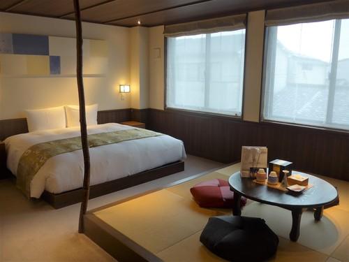 京都御所西「THE JUNEI HOTEL」に泊まる。_f0232060_14124910.jpg