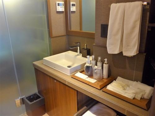 京都御所西「THE JUNEI HOTEL」に泊まる。_f0232060_1413449.jpg