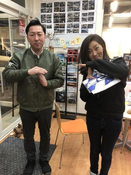12月27日(金)本店ブログ☆ ハマーH3 ベースグレードあります♡ ランクル アルファード LX570_b0127002_19484241.jpg