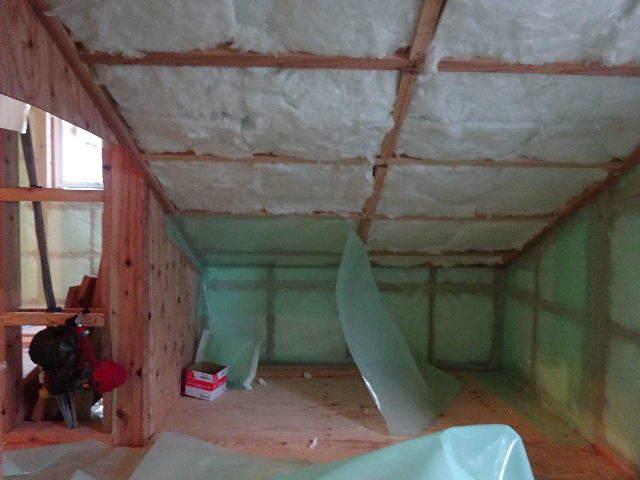 滝沢 穴口の家 大工工事進行中。_f0105112_04451628.jpg