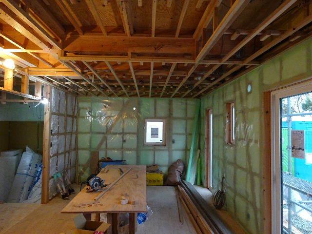 滝沢 穴口の家 大工工事進行中。_f0105112_04451684.jpg