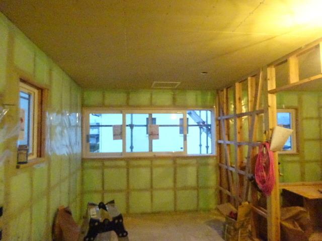 滝沢 穴口の家 大工工事進行中。_f0105112_04513947.jpg