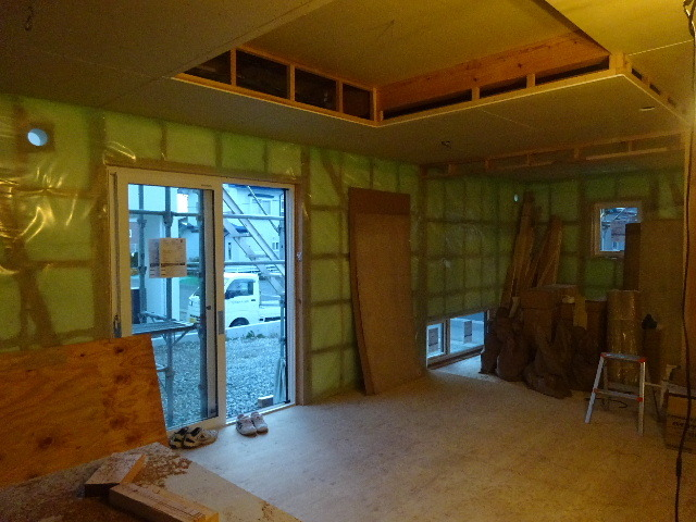 滝沢 穴口の家 大工工事進行中。_f0105112_04563930.jpg