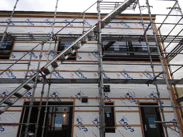 滝沢 穴口の家 大工工事進行中。_f0105112_05022929.jpg