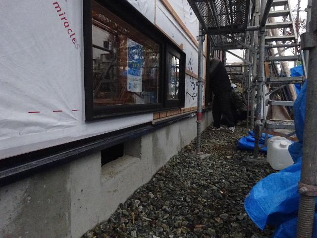 滝沢 穴口の家 大工工事進行中。_f0105112_05022947.jpg