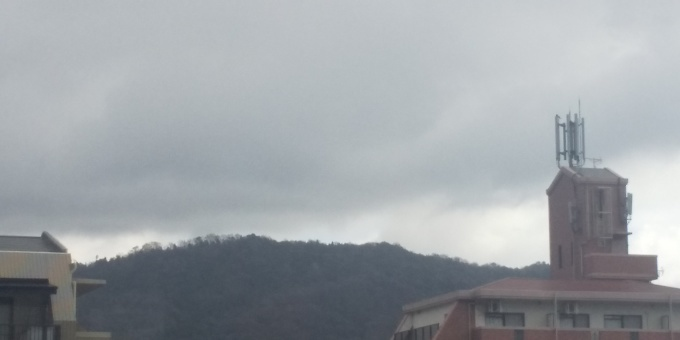 冬型の気圧配置で小雨です_e0094315_12582653.jpg